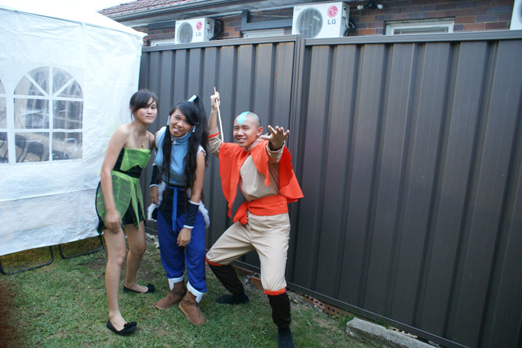 Tinkerbell, Korra & Aang awkwardly posing for a photo